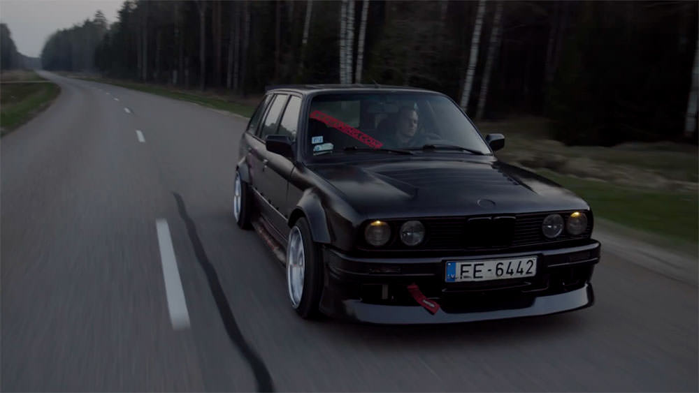 cliqtuning-bmw-e30-vented-hood-and-front-overfenders-40mm